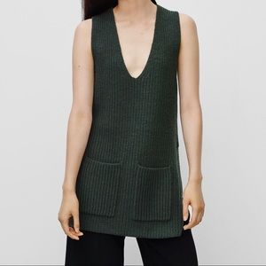 Wilfred Chartres Sleeveless V-Neck Wool Sweater